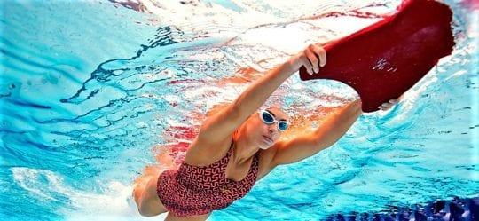 плавание с доской для похудения