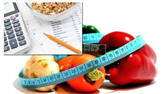 правильным соотношением углеводов, жира и белка