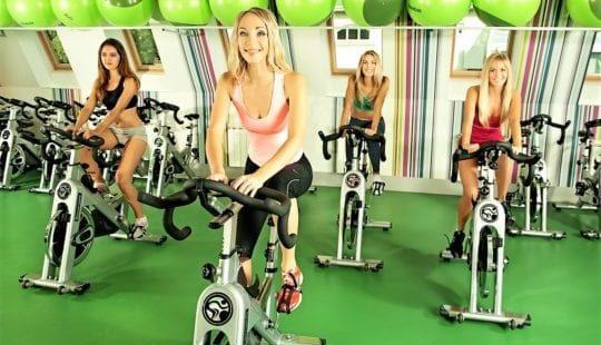 Упражнения на велотренажере для похудения: решаем проблему в комплексе и эффективно