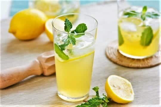 воды с лимонным соком