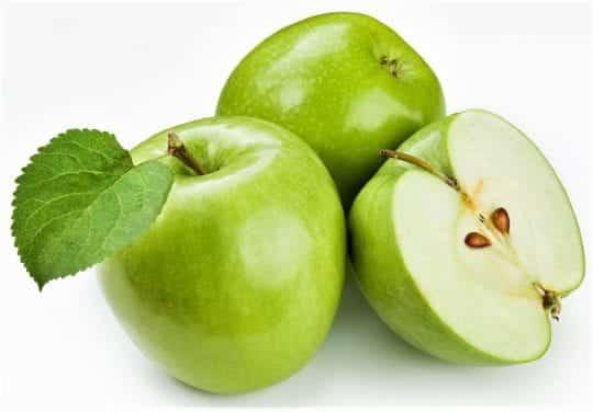 1,5 кг свежих зеленый яблок