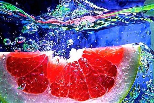 грейпфрут в воде