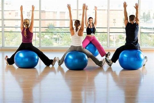 прыжки на фитболе упражнения