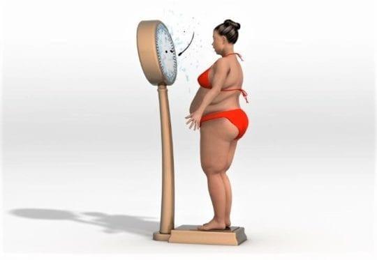 толстая на весах