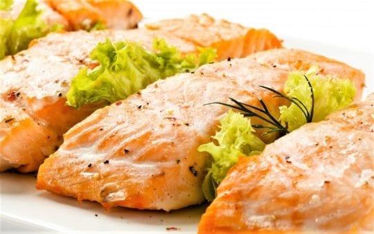 запечённый стейк лосося